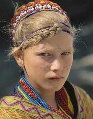 Иранская девочка, с виду чистая славянка