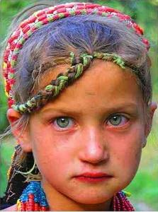 девочка из северной Индии, типичная славянка